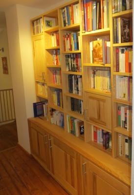 Bücherregal aus Escheholz